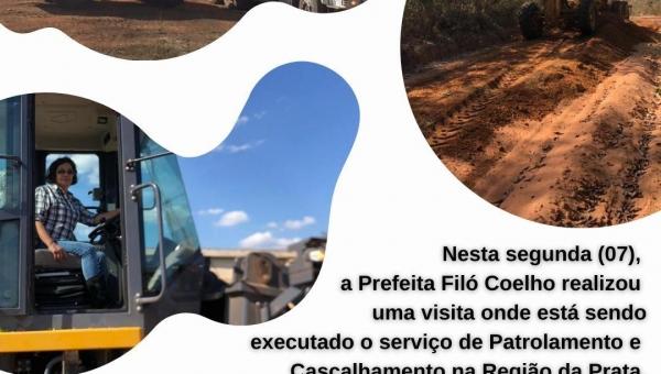 Prefeita Filomena Coelho visita obras em andamento no município.
